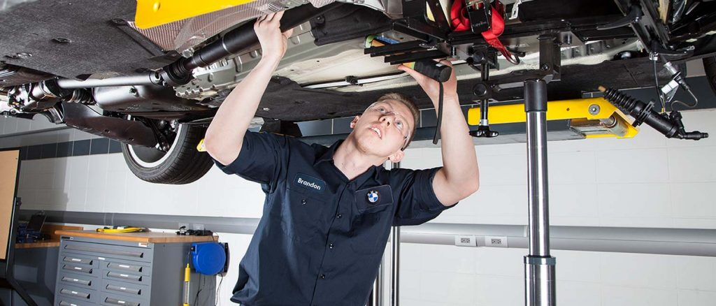Knowing more about car maintenance services in Dubai